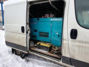 Аренда компрессора с четырьмя отбойными молотками в Москве