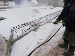 Продувка опалубки от снега