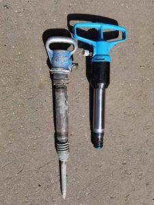 Старый и новый отбойные молотки МОП-3 и МОП-4 рядом