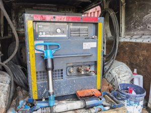 Отбойный компрессор с бетоноломом в Мытищи